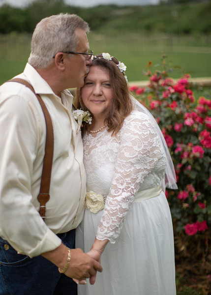 Bride and Groom, Wedding at Nolichucky Vineyard by Everbright Photography