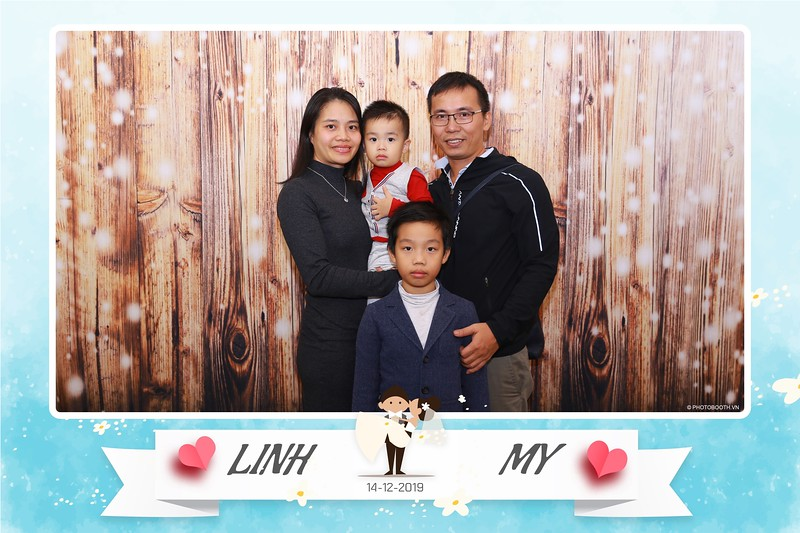 Linh-My-wedding-instant-print-photo-booth-in-Ha-Noi-Chup-anh-in-hnh-lay-ngay-Tiec-cuoi-tai-Ha-noi-WefieBox-photobooth-hanoi-125.jpg