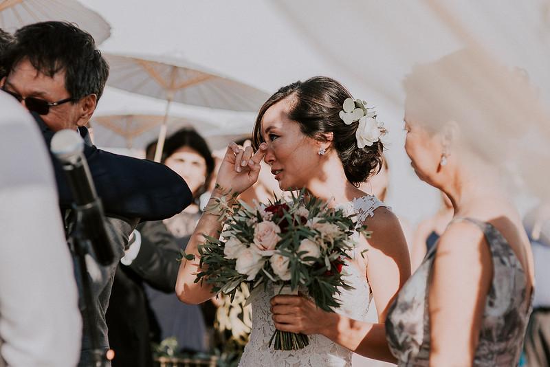 Tu-Nguyen-Destination-Wedding-Photographer-Santorini-Rocabella-Hotel-Euna-Ehsan-401.jpg