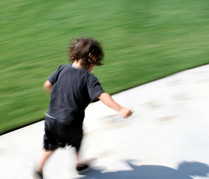 Jonah Running crop.jpg