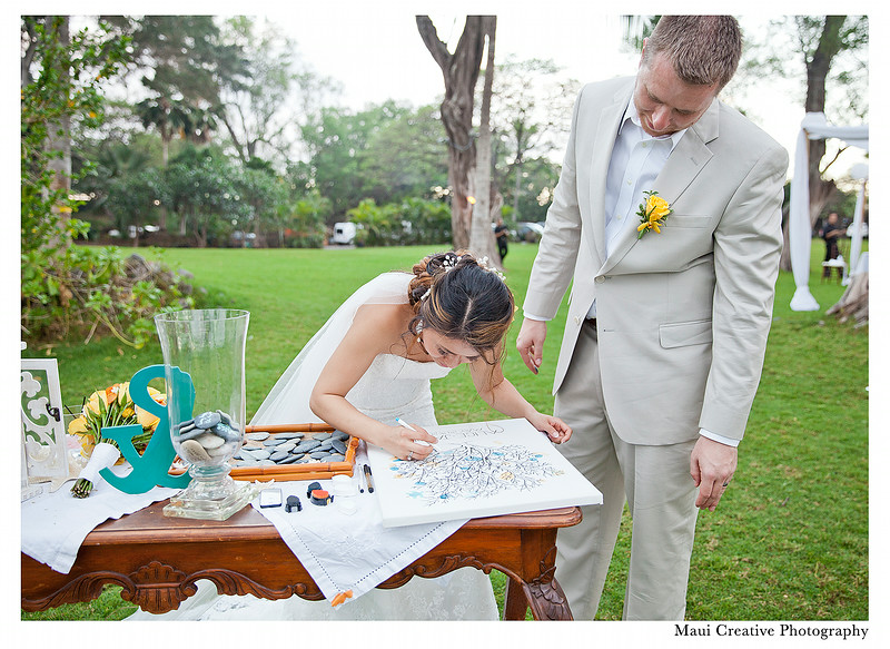 Maui_Wedding_Photographers_Sugarman_Estate_330.jpg