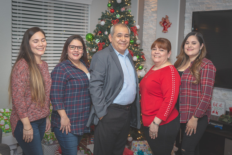 Gonzalez Christmas 2018 (95 of 105).jpg