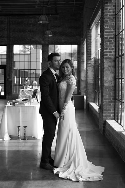 Kate&Josh_B&W_ZACH.WATHEN.PHOTOGRAPHER-290.jpg