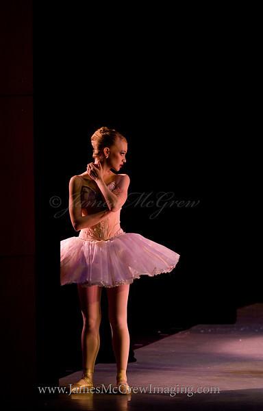 "Jessica Zisa as the Sugar Plum Fairy in Northwest Dance Theatre's ""A Nutcracker Tea,"" © 2011."