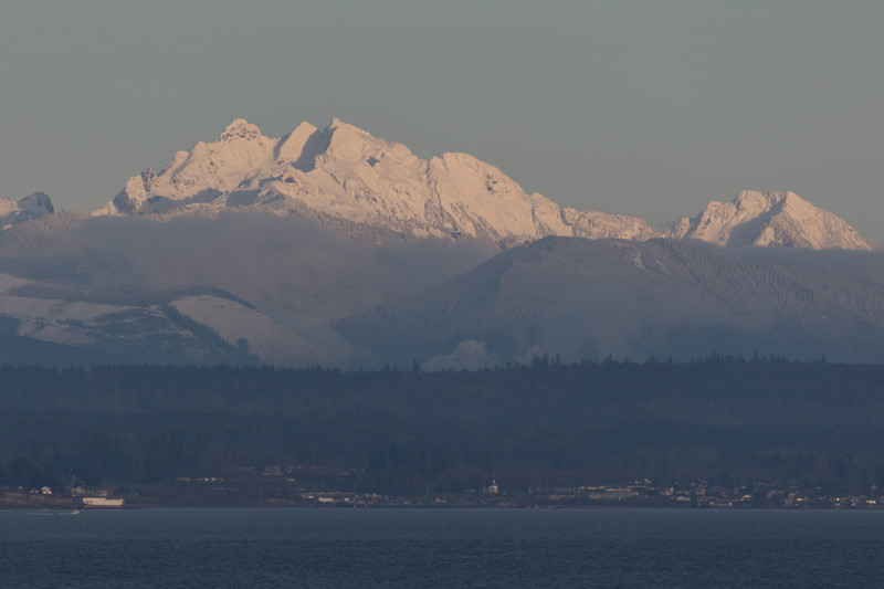 Distant view have a snow covered three fingers Mountain and Snohomish county