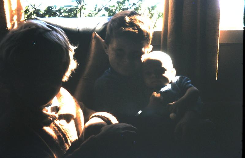 1969-10-24 (14) Susan 4 yrs 2 mths, David 5 yrs 10 mths, Andrew 2 mths.JPG