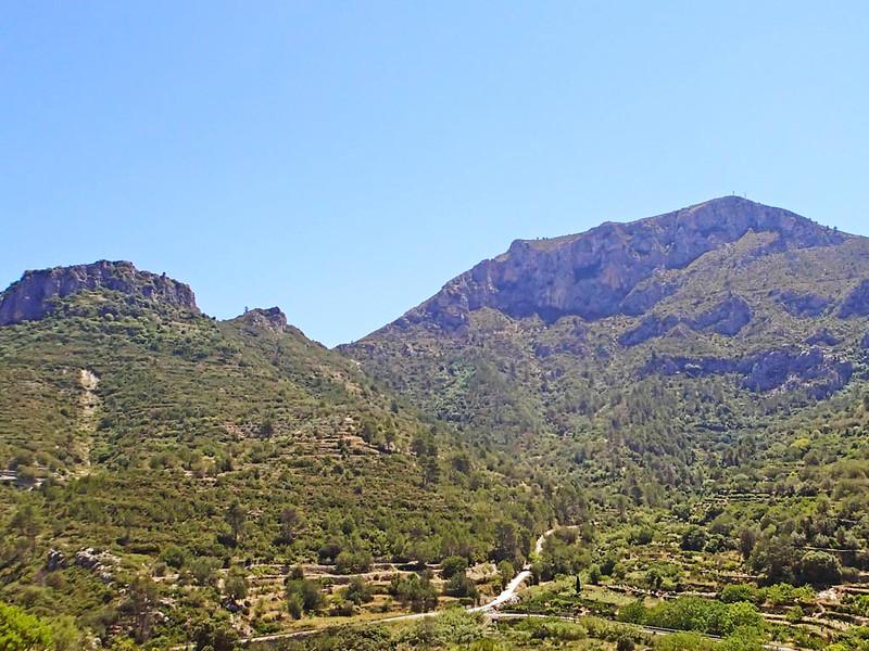 Miserat and Castell de Gallinera near Benirrama