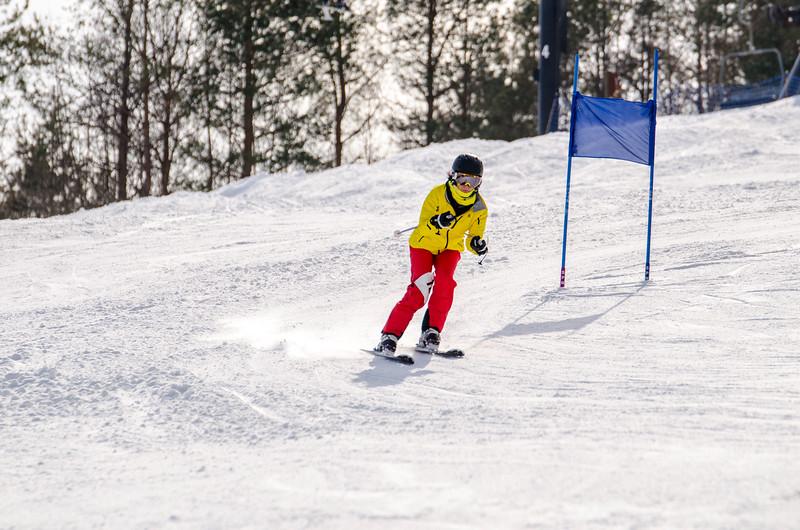 Standard-Races_2-7-15_Snow-Trails-132.jpg