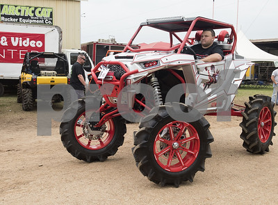 mudding-event-draws-thousands-to-jacksonville