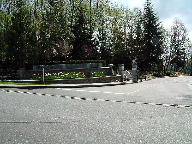 Hollyburn Country Club Entrance 1.jpg