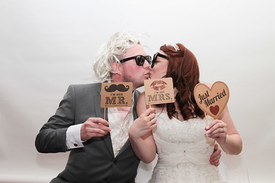 Hannah and Rob's Photo Booth