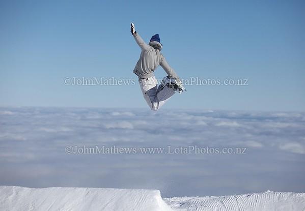 20120718 Snow Boarders on Turoa ski field _MG_5263 WM