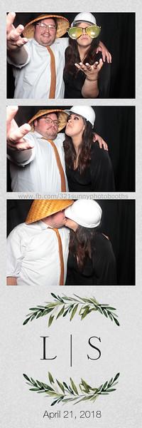ELP0421 Lauren & Stephen wedding photobooth 62.jpg