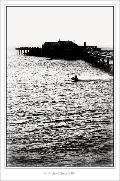 Waverider underneath Weston Super Mare Pier (60862907).jpg