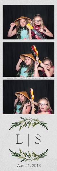 ELP0421 Lauren & Stephen wedding photobooth 13.jpg