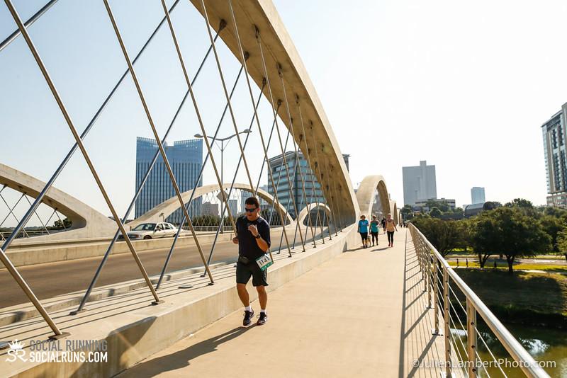 Fort Worth-Social Running_917-0631.jpg