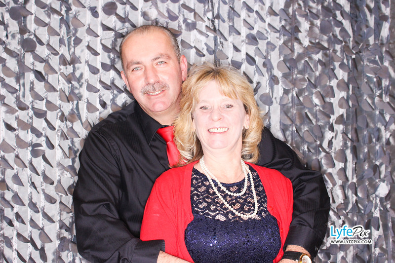 red-hawk-2017-holiday-party-beltsville-maryland-sheraton-photo-booth-0144.jpg