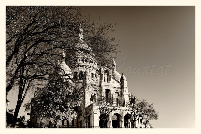 20150323_Montmartre_0067-BW.jpg