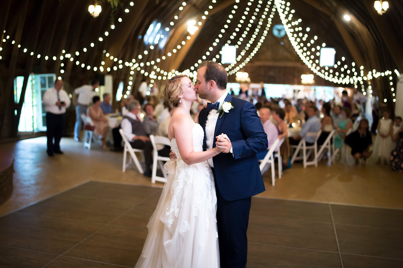 Garrett & Lisa Wedding (572).jpg