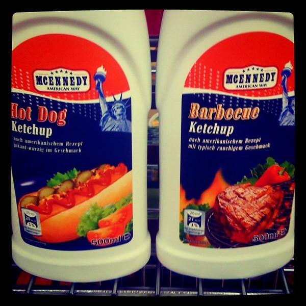 Hot dog & barbecue ketchup, American food. #berlin