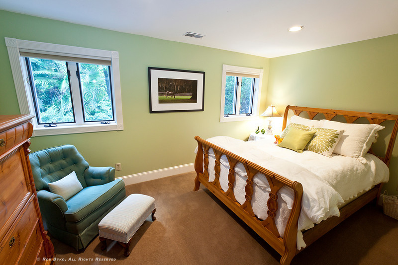 Upstairs bedroom overlooking backyard zen garden, pond and waterfall. Open the windows, close your eyes and fall to sleep to the sounds of a trickling brook!