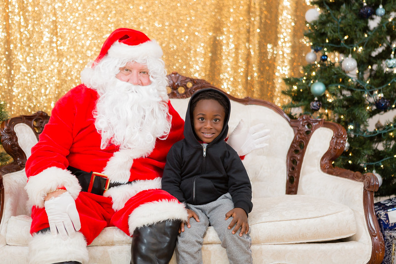 FADS Picture with Santa-207.jpg