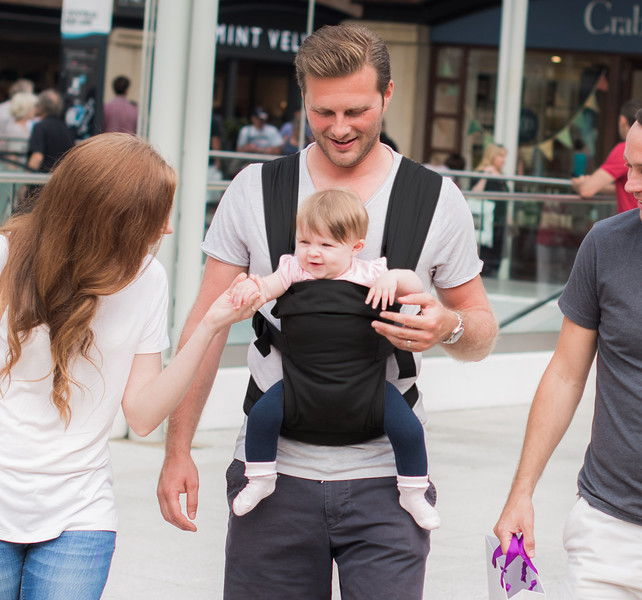 Izmi-Essentials-Image-Dad-Front-Carry.jpg