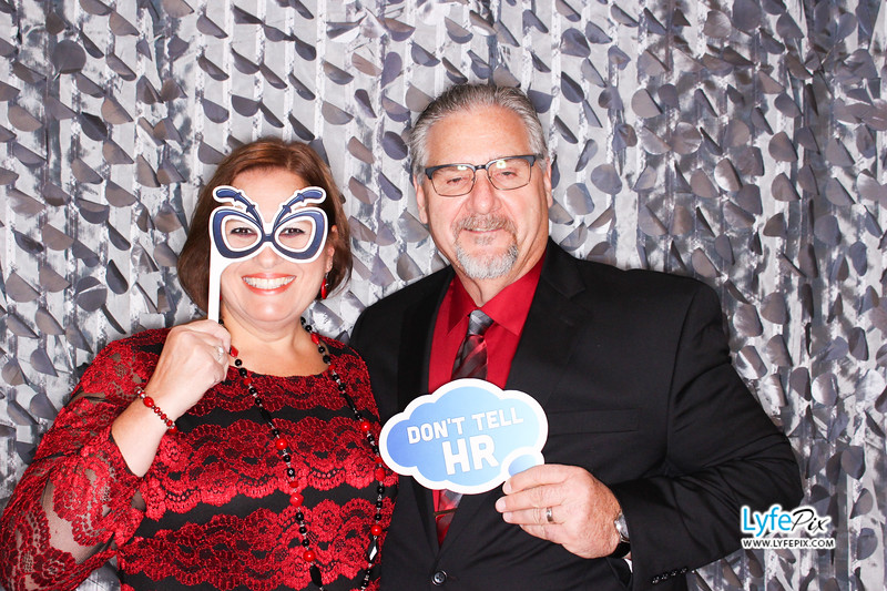 red-hawk-2017-holiday-party-beltsville-maryland-sheraton-photo-booth-0044.jpg