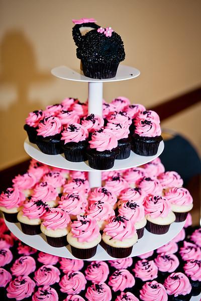 Pinkabella cupcakes.jpg