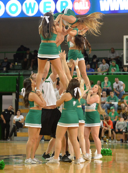 cheerleaders7935.jpg