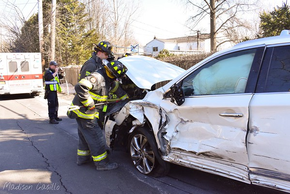 Motor Vehicle Accident Lawrence Road & E Main Street [03.21.17]