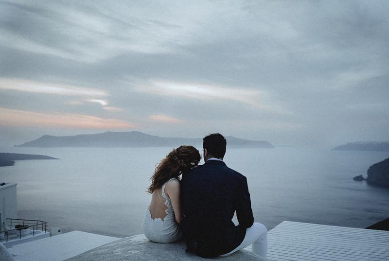 Tu-Nguyen-Wedding-Photography-Videography-Hochzeitsfotograaf-Engagement-Santorini-Oia-Greece-Thira-66.jpg