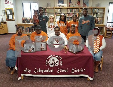 arp-defensive-star-overshown-signs-with-texas