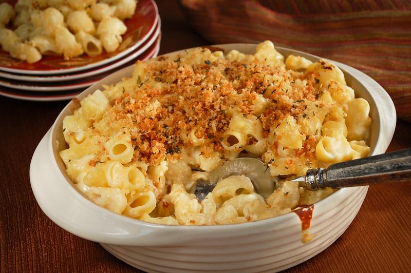 Mac n Cheese - scoop.jpg