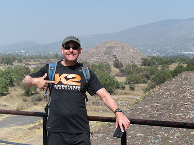Vince on top of  Pyramid of the Sun (Teotihuacan)