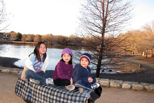 Kids at Mills Ponds Jan 2011