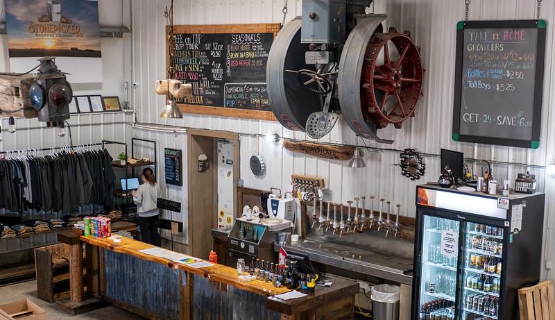 Ontario-Grand-Bend-Stonepicker-Brewing-Company-05.jpg