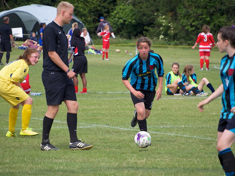 Coundon Court (Coventry) beat Oxford in the qualifying round 2-0.