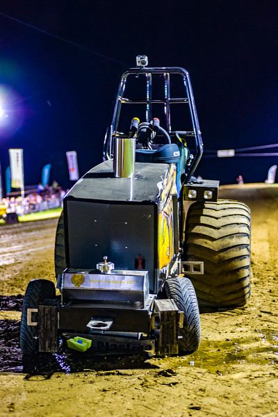 Tractor Pulling 2015-01882.jpg