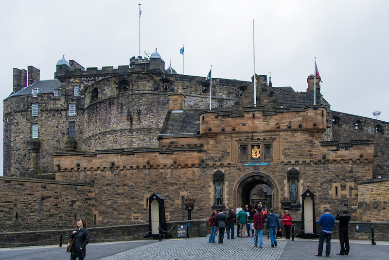 A tour of Edinburgh Castle was first on our list of activities.