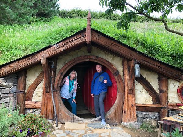 Hobbiton Movie Set and Waitomo Glowworm Caves Day Trip from Auckland - 2019