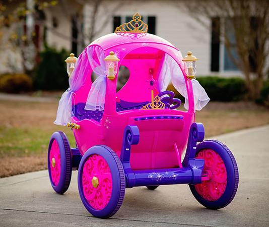 Disney-Princess-Carriage-Daily-Mom-Ultimate-Christmas-Guide-2016_3.jpg