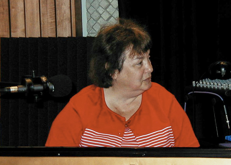 Shirley Lebin, playing piano in the Maple Room, August 18 1999.