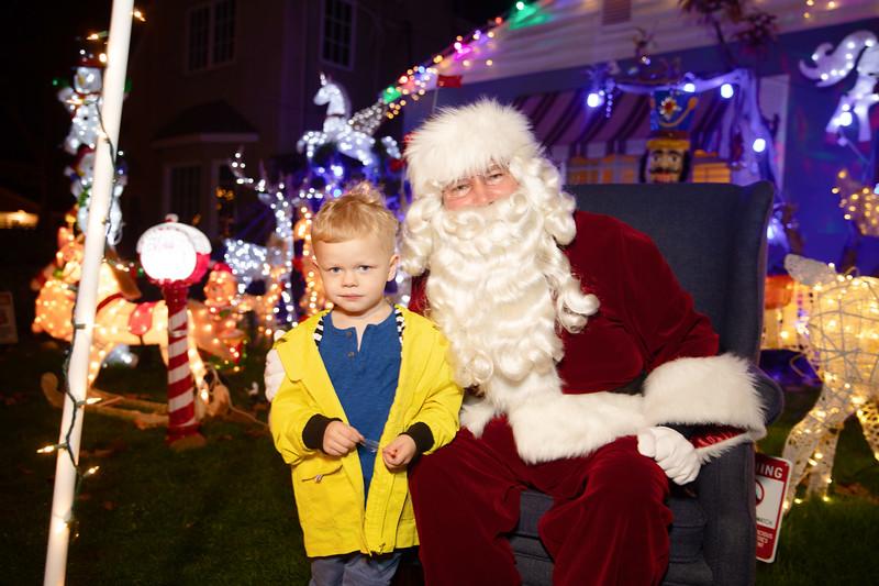 12-08-19-Christmas With Chris & Family-47.jpg