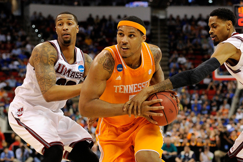 . Jarnell Stokes #5 of the Tennessee Volunteers drives to the basket against the Massachusetts Minutemen in the second round of the 2014 NCAA Men\'s Basketball Tournament at PNC Arena on March 21, 2014 in Raleigh, North Carolina.  (Photo by Grant Halverson/Getty Images)