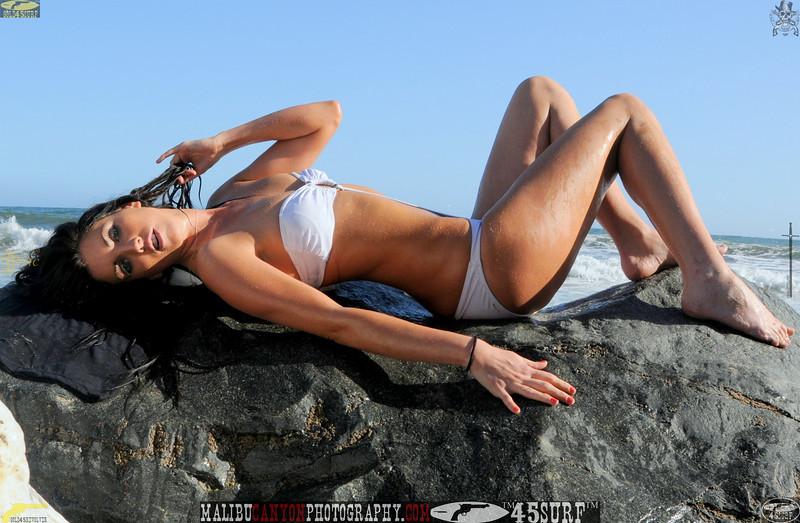 beautiful woman sunset beach swimsuit model 45surf 872.45.45.