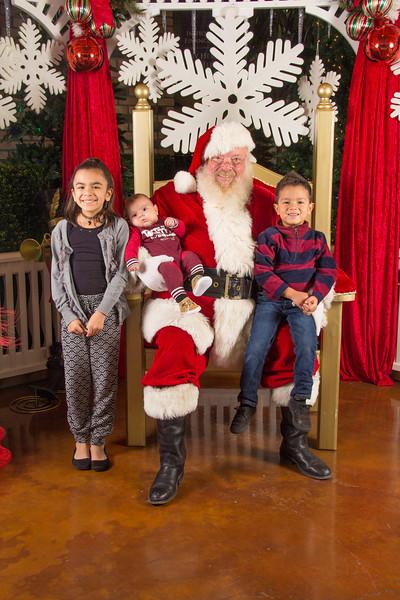 Santa 12-16-17-282.jpg