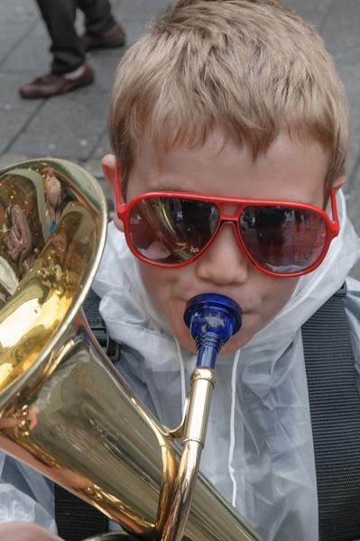 Richards Korps hatte sich mit Sonnenbrillen und schwarzem Hut verkleidet. Eins der Stücke war von den Blues Brothers.