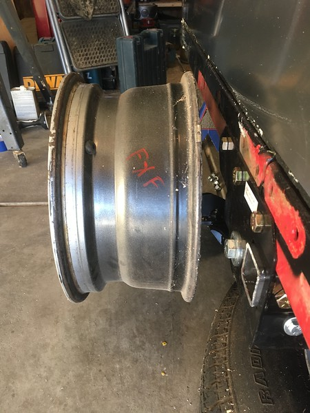 Jeep wheels give perfect spacing between frame and wheel