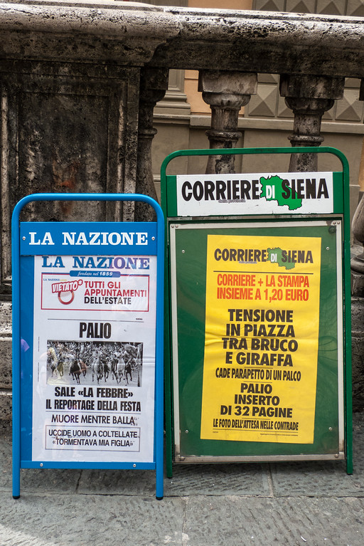 Newspaper headlines about the Palio